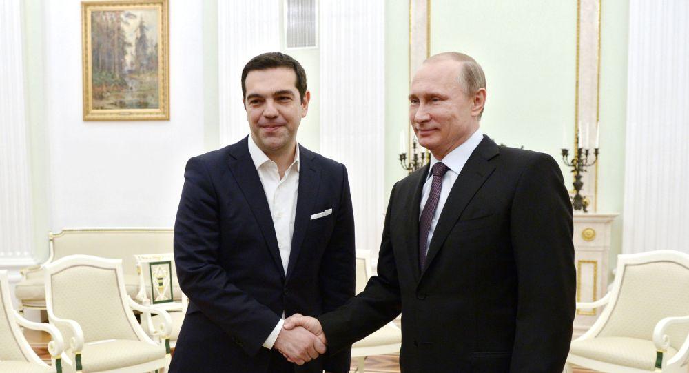 بوتين مع رئيس الوزراء اليوناني تسيبراس