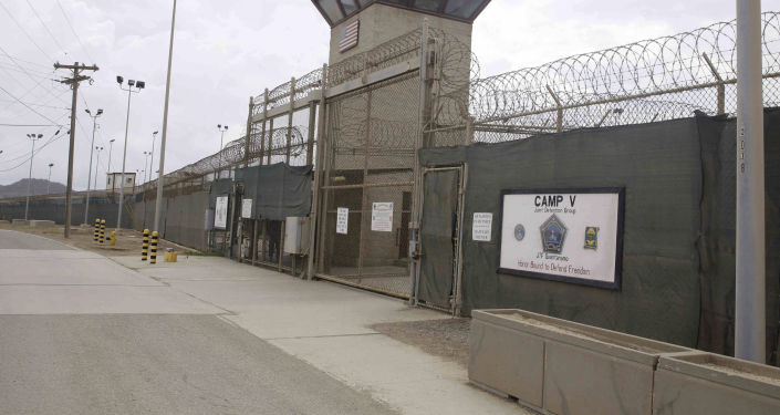 سجن غوانتانامو الأمريكي في كوبا