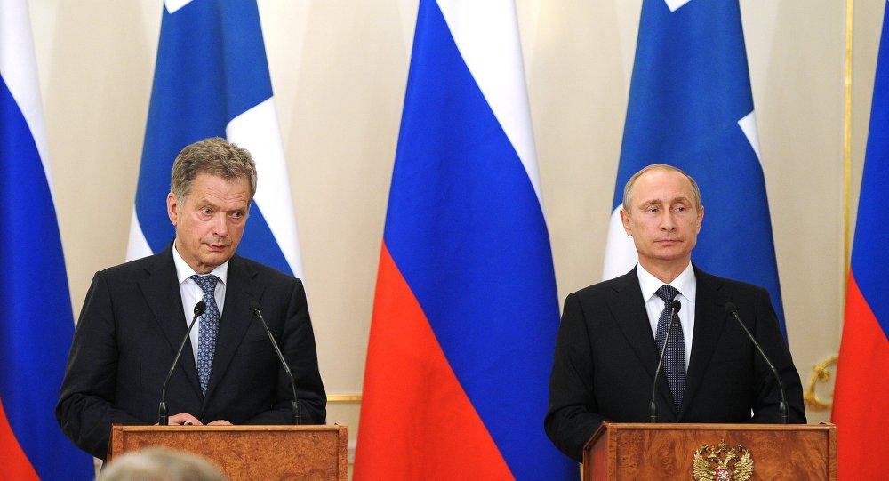 الرئيس فلاديمير بوتين والرئيس الفنلندي ساولي نينيستيو