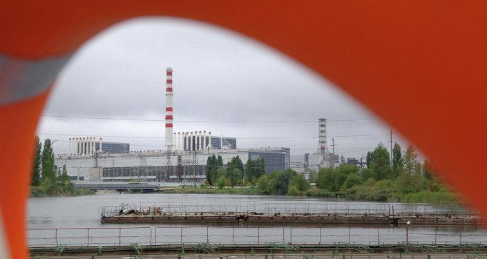 محطة كورسكايا: تقع بالقرب من بلدة كورشاتوف كورسك، على ضفاف نهر سيم، وتتكون من أربع وحدات تم بناؤها خلال 1976، 1979، 1983 و 1985.