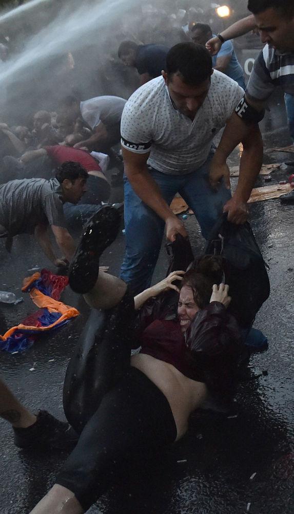 الاحتجاجات فى العاصمة الأرمينيا يريفيان