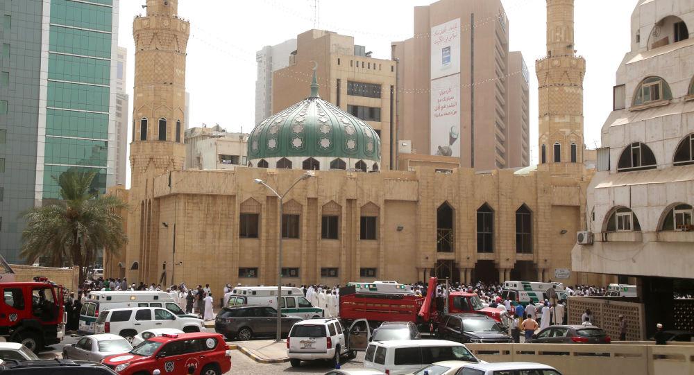 مسجد الإمام الصادق في الكويت الذي فجره تنظيم داعش الإرهابي