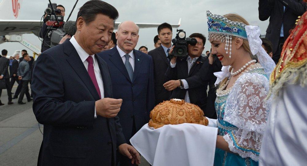 وصول الرئيس الصيني شي جين بينغ إلى أوفا