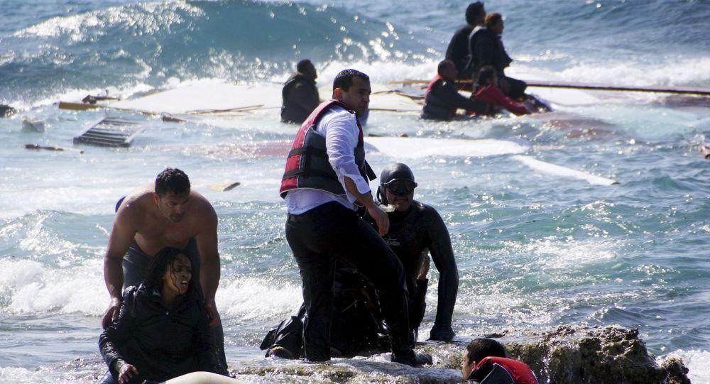 مقتل 4 في غرق زورق مهاجرين شمال غربي تركيا