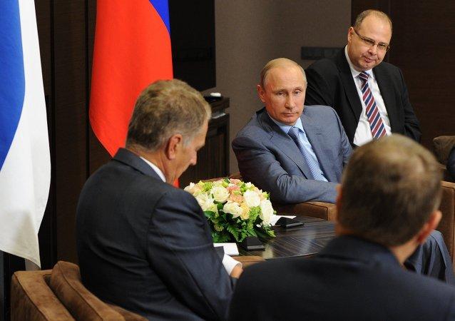 الرئيس الروسي فلاديمير بوتين يلتقي الرئيس الفنلندي ساولي نينيستي