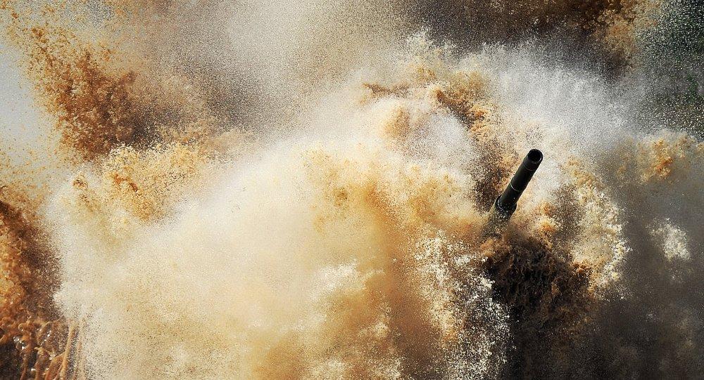 سباق بياتلون الدبابات
