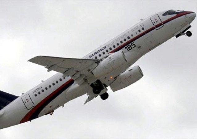 الطائرة سوخوي سوبرجيت 100