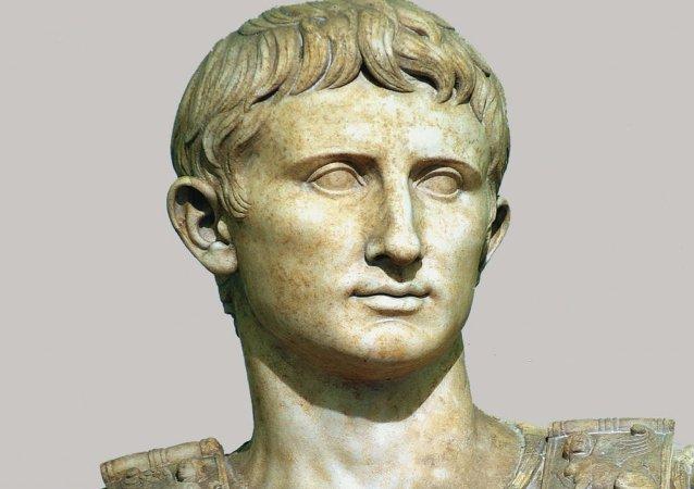 أغسطس مؤسس الدولة الرومانية