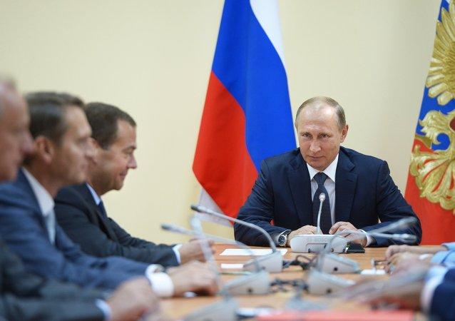 الرئيس الروسي فلاديمير بوتين في زيارة إلى القرم