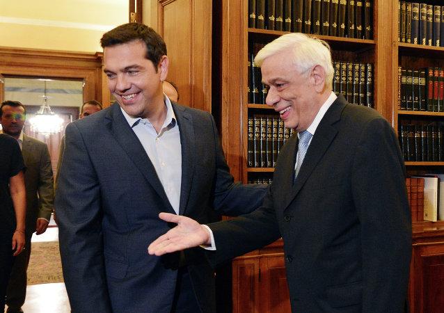 الرئيس اليوناني مع تسيبراس