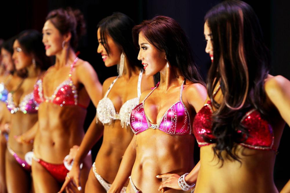 مشاركات في بطولة لكمال الأجسام في الصين