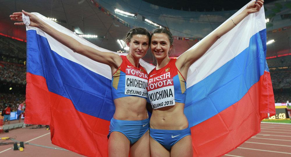 ماريا كوتشينا وآنا تشيتشيروفا في بطولة العالم لألعاب القوى في بكين