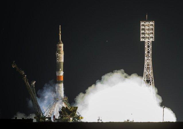 إطلاق مركبة فضائية من نوع سيوز