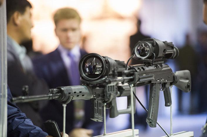 أحد الأسلحة المعروضة فى معرض اكسبو - 2015