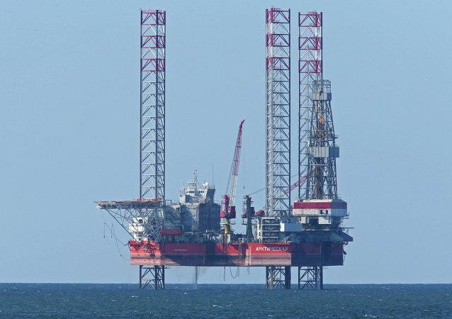 جهاز حفر في بحر البلطيق