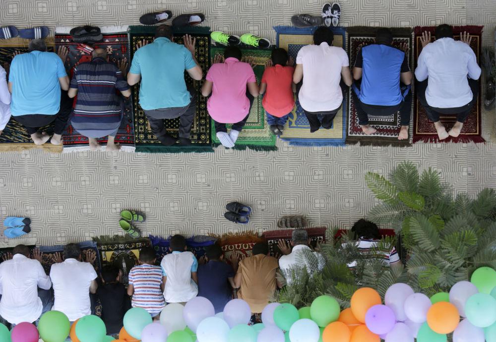 المصريون المسلمون خلال عيد الأضحى في القاهرة