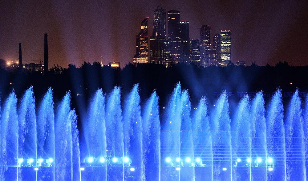 تحضيرات مهرجان موسكو الدولي للضوء