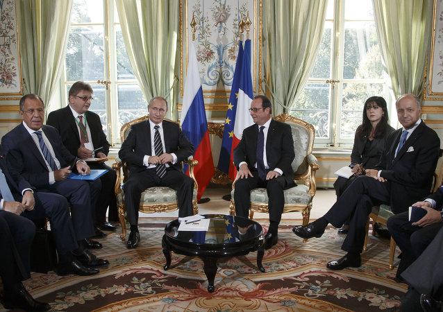 الرئيس فلاديمير بوتين في باريس