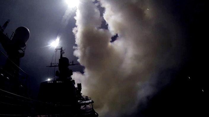 سفينة روسية تطلق صواريخ على مواقع الإرهاب في سوريا