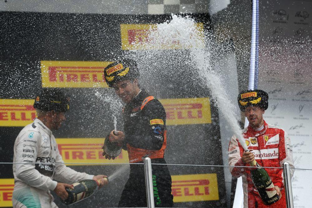 الأوائل الثلاثة الفائزين بجوائز سباق جائزة روسيا الكبرى في سوتشي