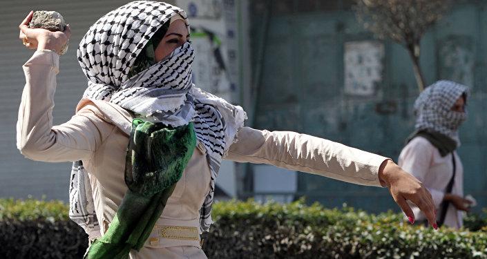 طالبة فلسطينية