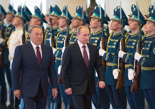 وصول بوتين إلى كازاخستان في زيارة