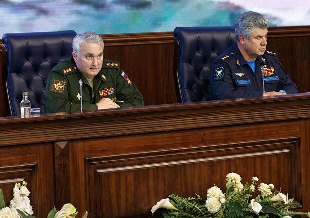الجنرال أندريه كارتابولوف يتحدث للصحفيين