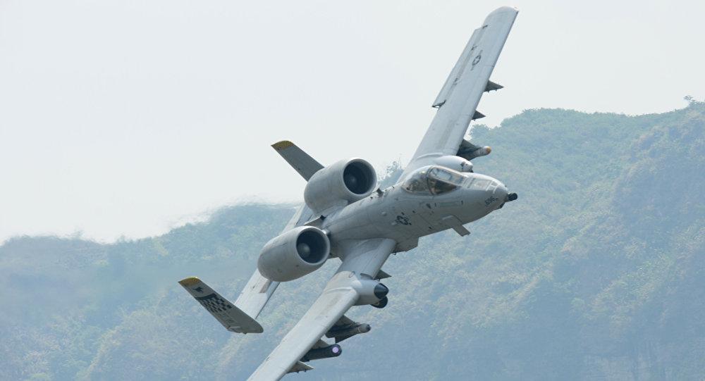 طائرة عسكرية هجومية من طراز ايه-10