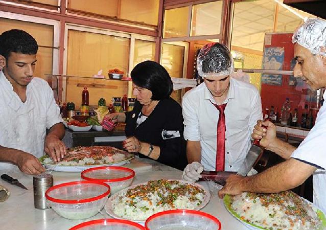 وجبات ساخنة للجيش السوري