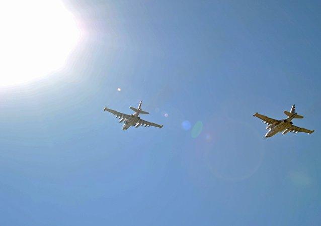 طائرات عسكرية روسية في سماء سوريا