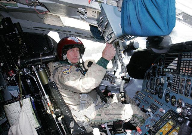 فلاديمير بوتين - القائد الأعلى للقوات الروسية المسلحة