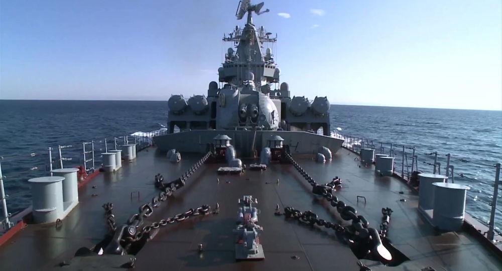 الطراد الصاروخي موسكو فى سواحل اللاذقية