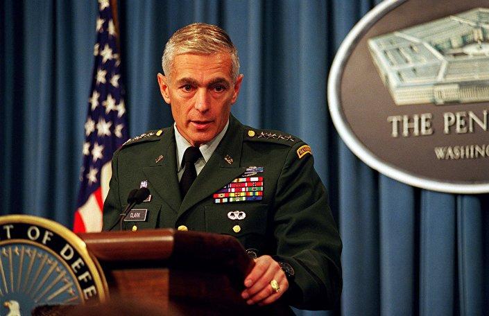 القائد السابق لحلف الناتو ويلسي كلارك