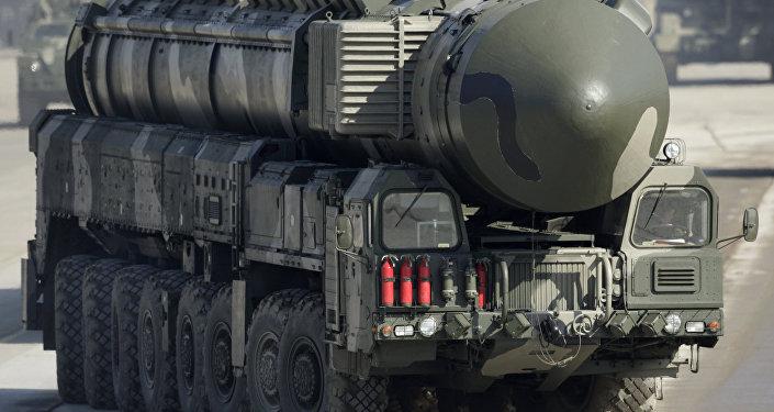 قاذف صواريخ توبول إم
