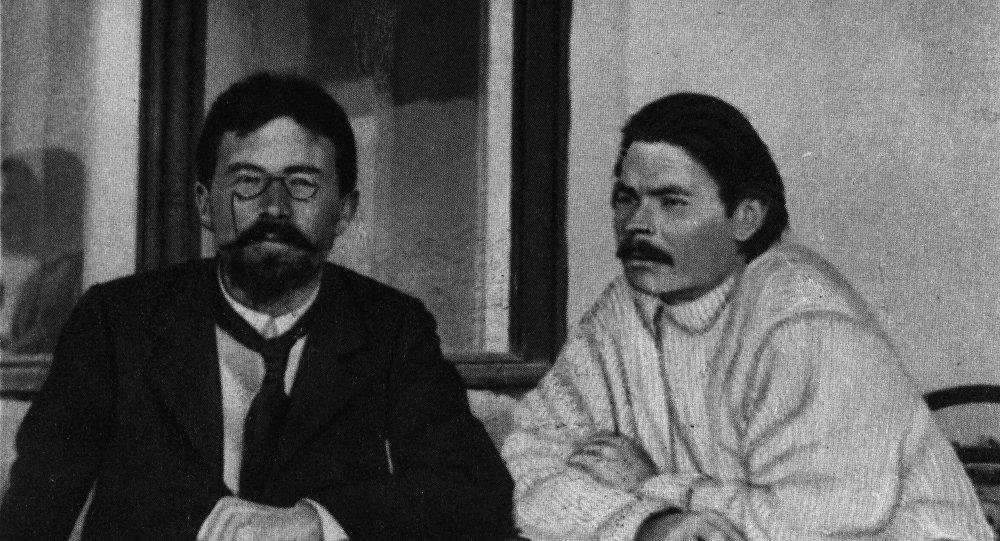 مكسيم غوركي وأنطون تشيخوف