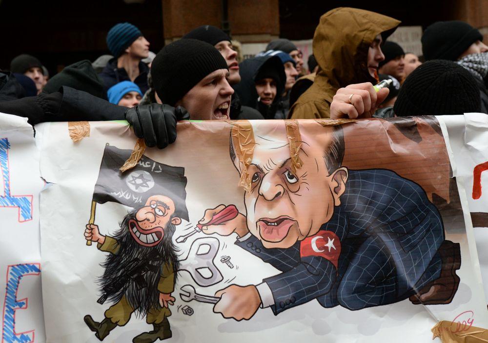 مظاهرات مناهضة لتركيا فى روسيا