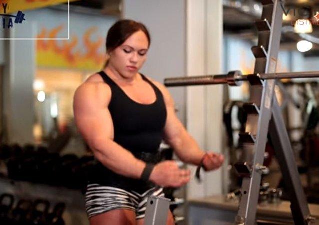 أقوى امرأة روسية فى العالم