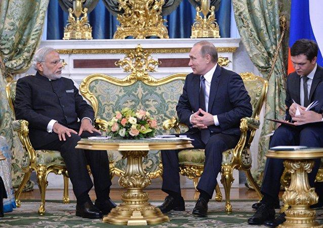لقاء الرئيس الروسي فلاديمير بوتين ورئيس الوزراء الهندي ناريندا مودي