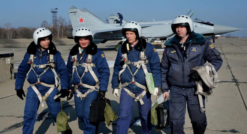 طيارو أول 3 مقاتلات من طراز ميغ 31 بي إم بعد التحديث