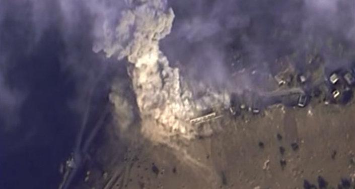 قصف مواقع داعش في سوريا