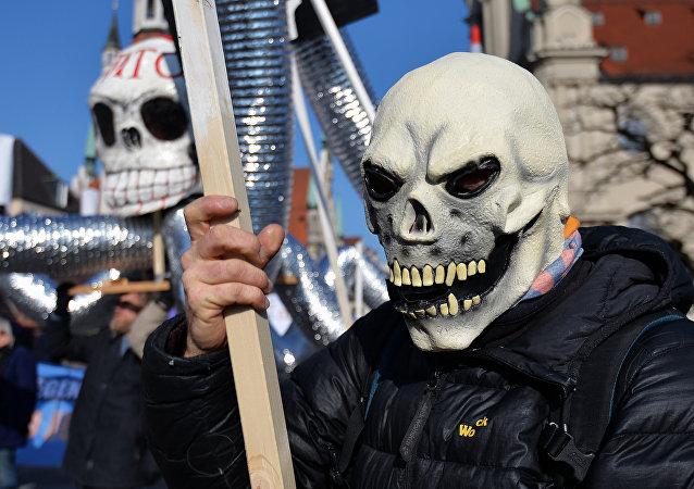 مظاهرة مناوئة للناتو في ميونيخ