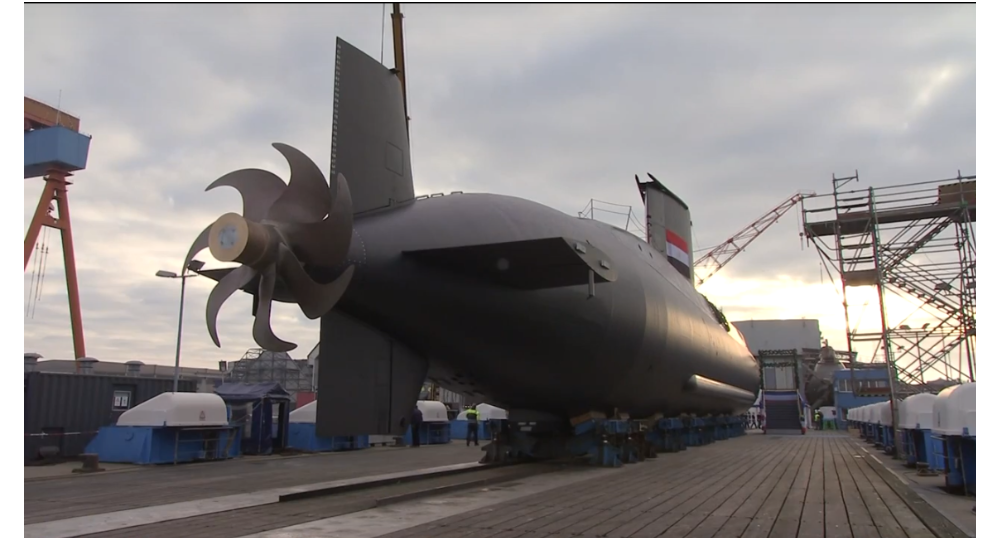 الغواصة الألمانية طراز 209 التابعة للبحرية المصرية