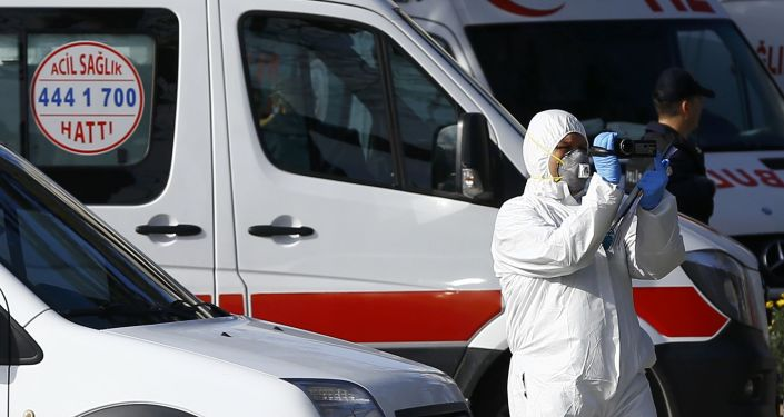 خبراء الطب الشرعي في موقع الانفجار في اسطنبول