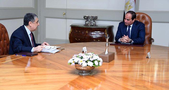 السيسي و وزير الكهرباء والطاقة المتجددة