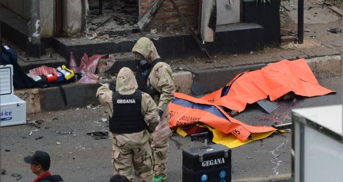 الشرطة في موقع التفجير في جاكرتا