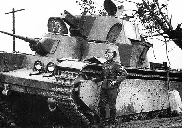 دبابة ستالين الاسطورية تي - 35
