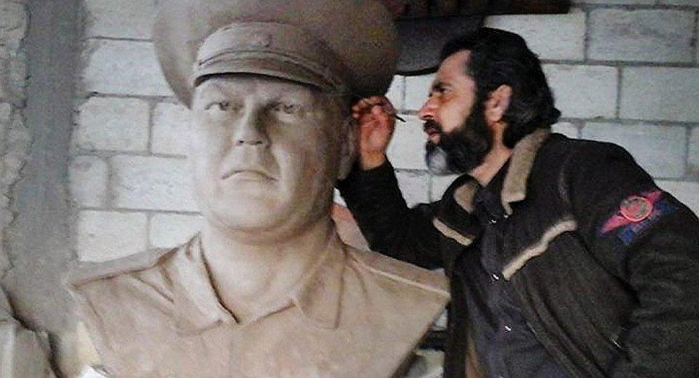 الفنان السورى اياد بلال