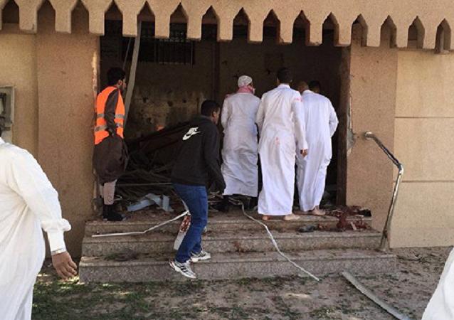 تفجير إرهابي داخل مسجد في السعودية