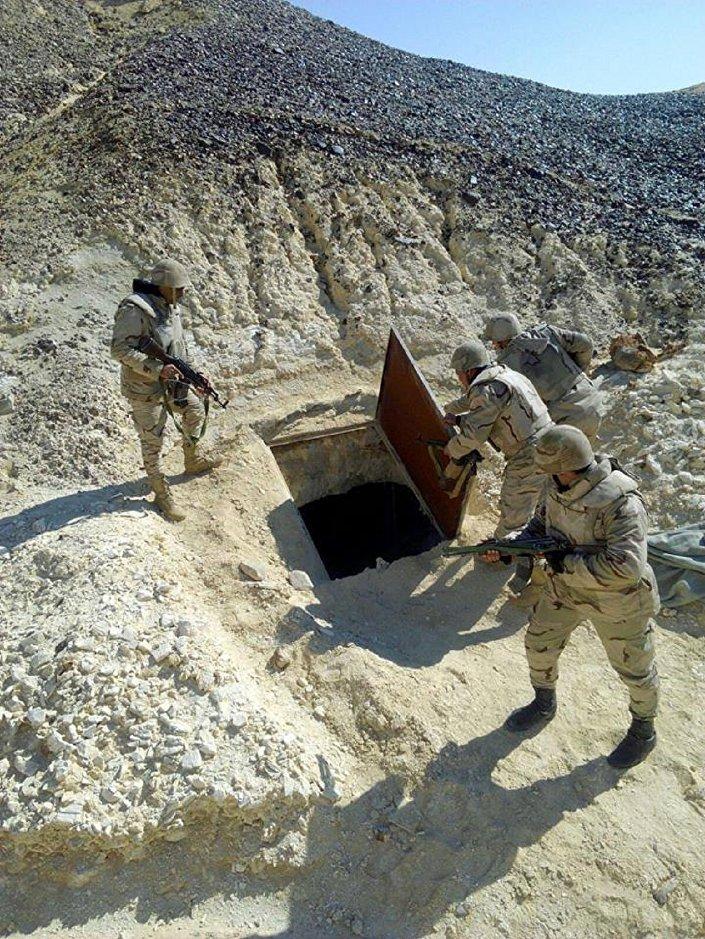 الجيش يواصل مداهمة بؤر تجمع الإرهابيين ـ شبه جزيرة سيناء