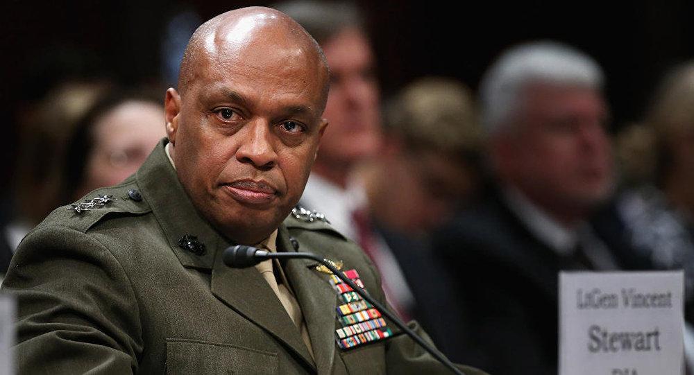 الجنرال فينسنت ستيورت – مدير الاستخبارات العسكرية الأمريكية